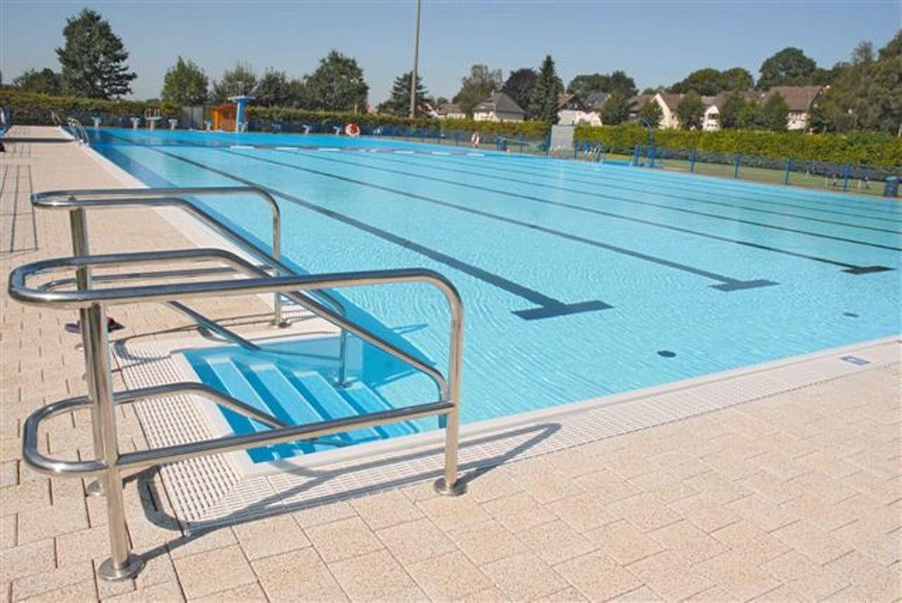 Meinertzhagen, zwembadrenovatie